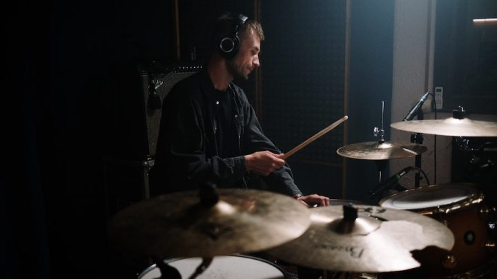 Best Headphones for Drummers: BANGING sound without the price tag!