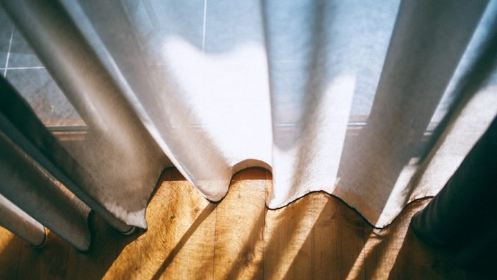 Reducing Noise with the Best Soundproof Curtains