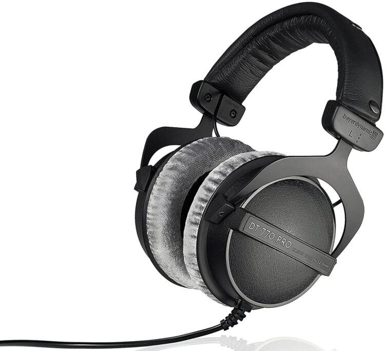 Beyerdynamic-32-OHM-studio-headphone-Dt-770-Pro