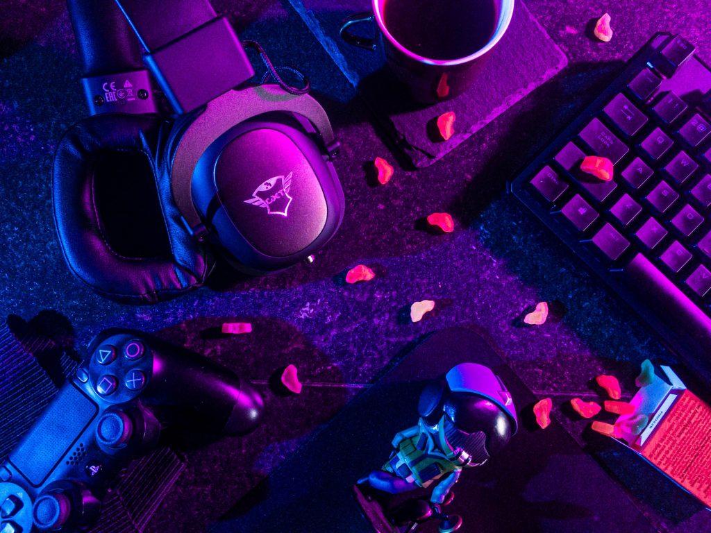gaming headphones 2